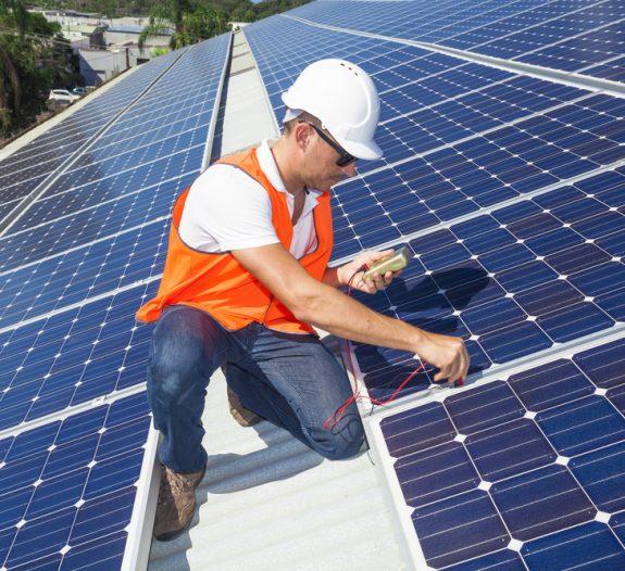 construction-maintenance-panneaux-solaires-colibri-solar