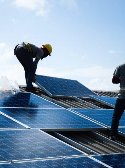 renovation-toiture-photovoltaique-batiment-hangar-collectivite