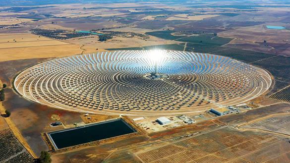 Centrale photovoltaïque au sol : comment ça marche ?