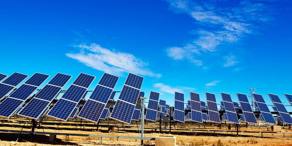 Construire une centrale photovoltaïque au sol pour lutter contre le changement climatique