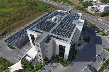 installation-panneaux-solaires-batiment-professionnels