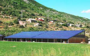 Un hangar photovoltaïque une solution ideale pour les exploitants agricoles
