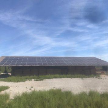 Colibri solar hangar Voltaïque vue loin