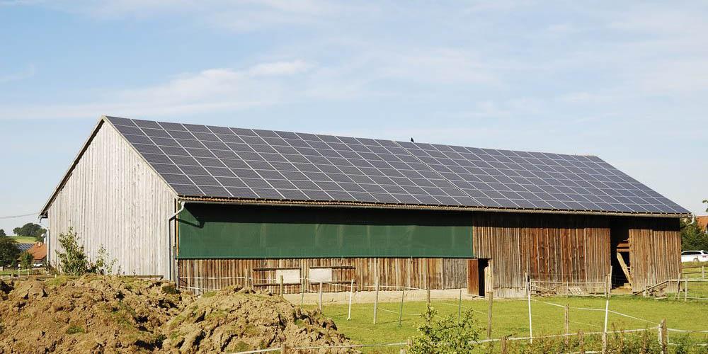 les-nouveaux-centres-équestres-green-avec-centrale-solaire-sur-toit