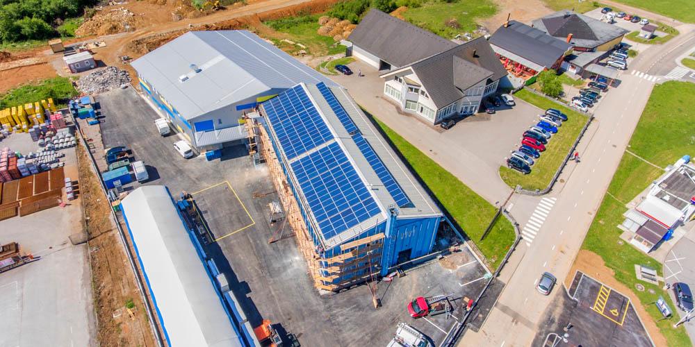 Comment faire refaire sa toiture de bâtiment professionnel gratuitement ?