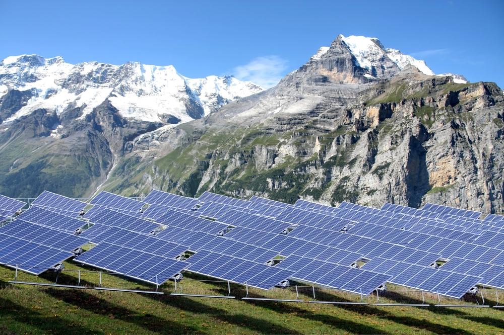 installation-panneaux-photovoltaique en montagne