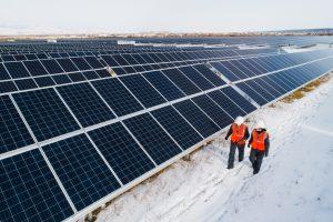 installation panneaux solaire en hiver