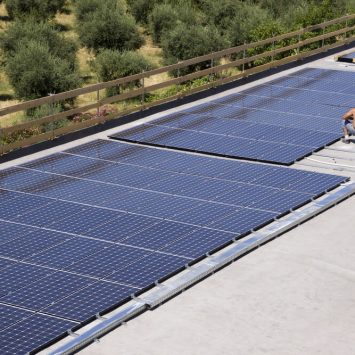 avantages-installation-des panneaux-solaires au sol