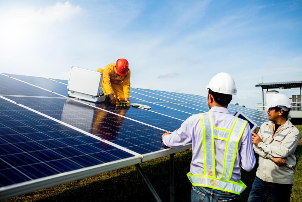 composantes-panneau-photovoltaïque-au-sol