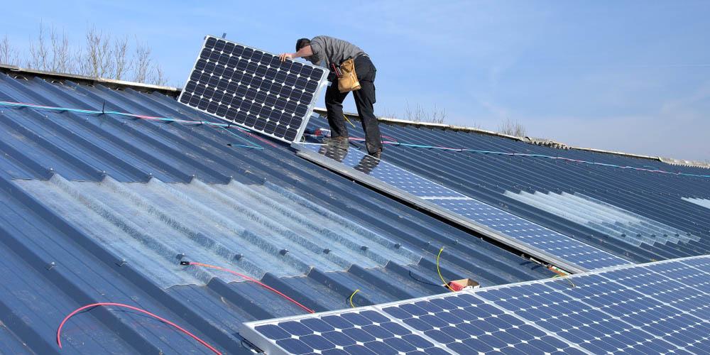 Peut-on-louer-son-toit-pour-produire-energie-solaire