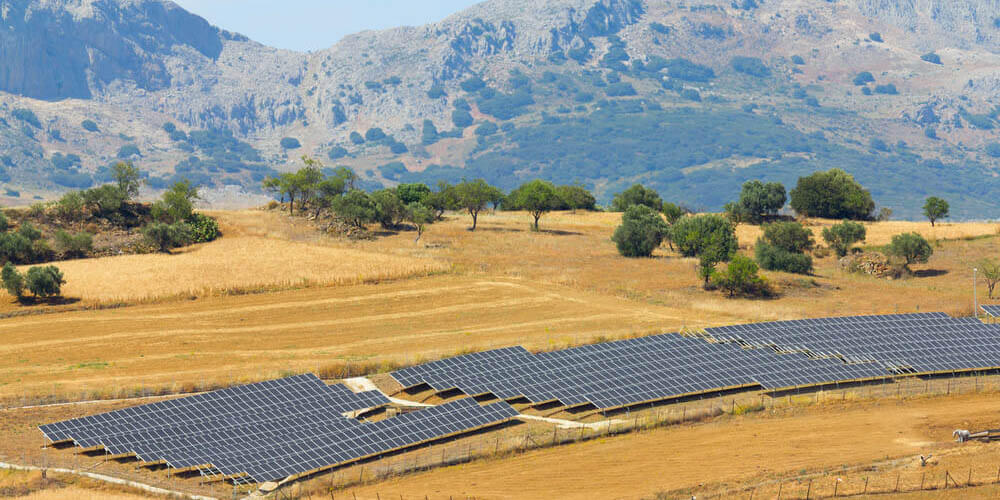Production-energie-solaire-location-toiture-agricole