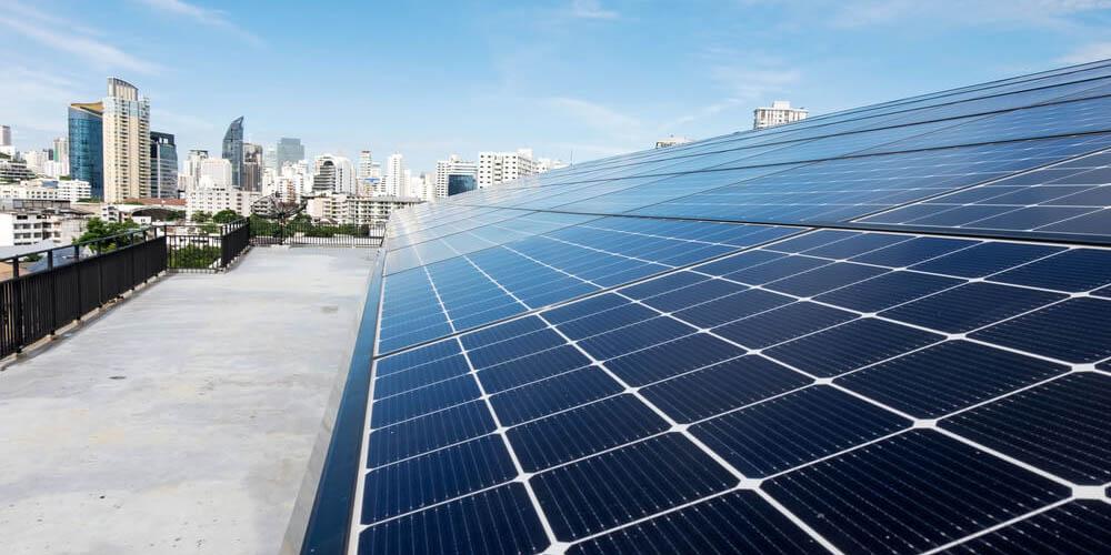 Transformez le toit de votre bâtiment industriel en toiture photovoltaïque !