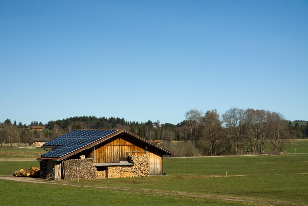 Comment se passe la location de toiture agricole pour panneau photovoltaïque