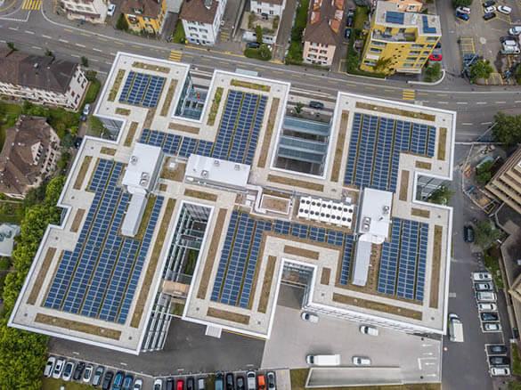 Principe et fonctionnement d'une toiture photovoltaïque industrielle
