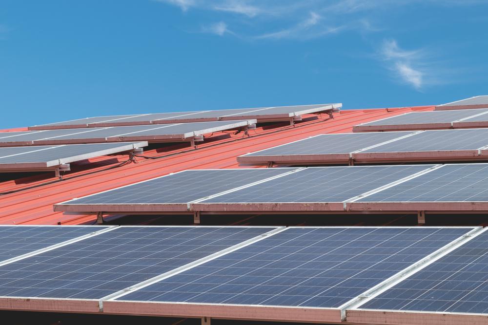 Collectivités faites rénover vos toitures de bâtiments gratuitement en installant une centrale solaire