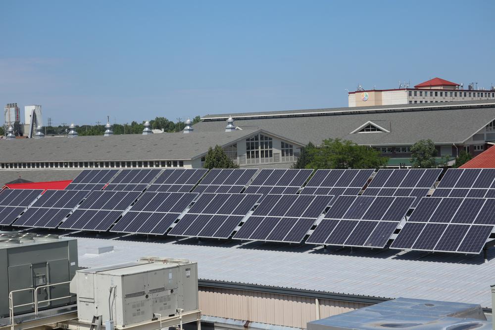 Financer la rénovation de votre toiture industrielle solaire