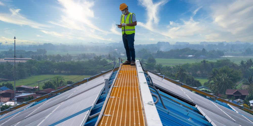 La solution idéale pour rénover vos toitures industrielles solaires