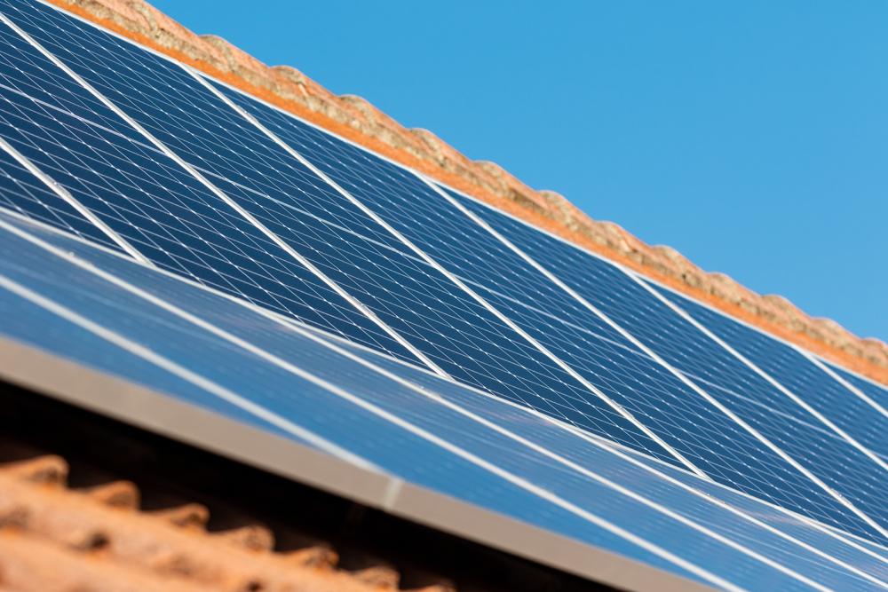 Toiture solaire gratuite comment éviter les pièges et les arnaques
