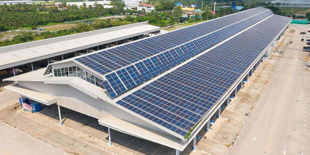 Bâtiment photovoltaïque clé en main : Tous types de hangars peuvent accueillir des panneaux solaires ?