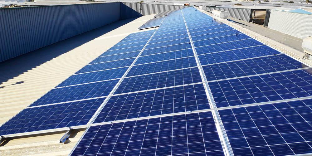 Comment et pourquoi transformer sa toiture d'usine en toiture solaire ?