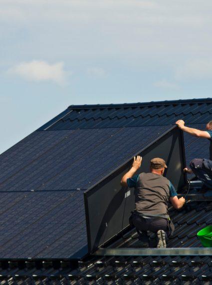 Comment refaire sa toiture gratuitement panneau solaire?