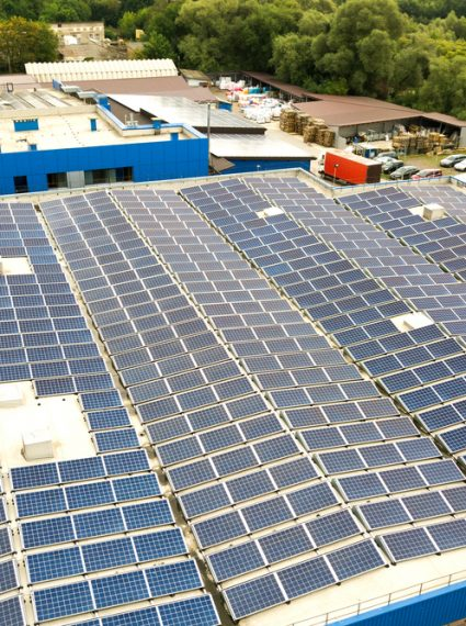 Exploiter pleinement le potentiel d'un bâtiment industriel solaire