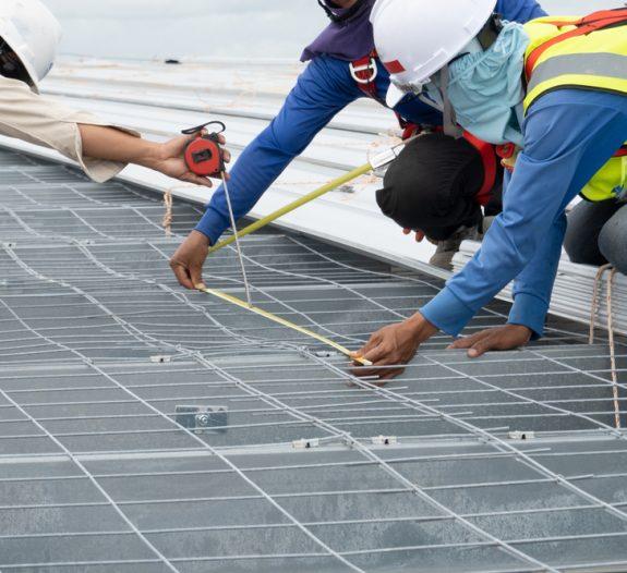Installer des panneaux solaires sur la toiture méthodes et bénéfices