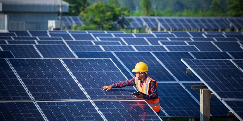 Installation de centrales solaires quels sont les avantages pour une collectivité