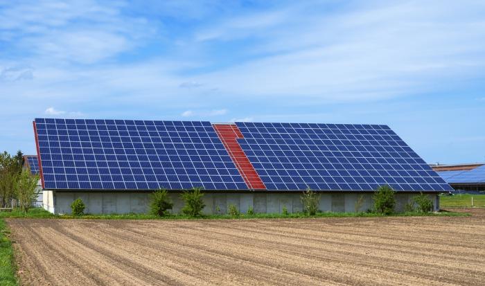Définition et usage d'un bâtiment photovoltaïque agricole