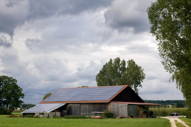 Hangar photovoltaïque agricol