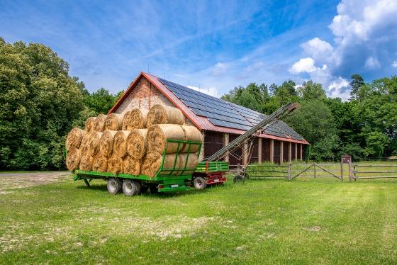 Comment fonctionne un manège équestre solaire ?