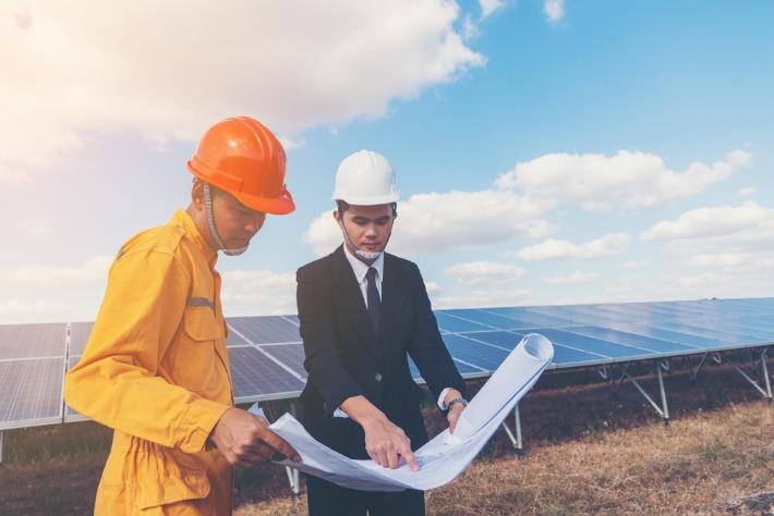 Chef de projet solaire : formations et carrière