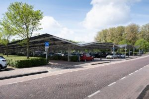 panneaux photovoltaïque sur parking